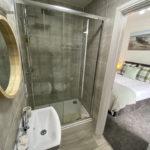 2) Room 2 Bathroom (21)