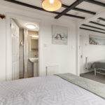 Room 7 d
